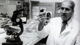 """Những nhà khoa học nổi tiếng """"điên rồ"""" trong lịch sử"""