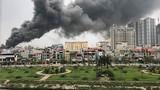 Cháy lớn ở chợ Quang Hà Nội, khói lửa bốc cao nghi ngút