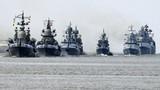 """Video: Tàu chiến ùn ùn kéo về """"quê nhà"""" của Putin"""
