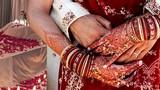 Cô gái kết hôn 3 lần trong 3 tháng để kiếm tiền