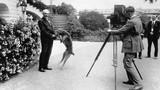Chùm ảnh các tổng thống Mỹ vui đùa bên thú cưng