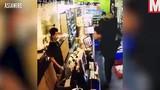 Video khách TQ dùng mã tấu và nước sôi hành hung chủ cửa hàng