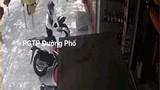 Video: Cận cảnh màn bẻ khóa trộm SH táo tợn chỉ trong 5 giây