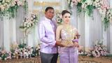 Chú rể 52 tuổi kết hôn với cô dâu 19 tuổi