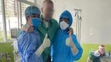 Phổi bệnh nhân 91 hồi phục 90%, gọi điện với bạn bè khắp nơi