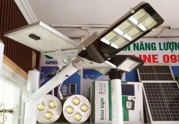 Dùng đèn năng lượng mặt trời giá rẻ chưa chắc đã tiết kiệm