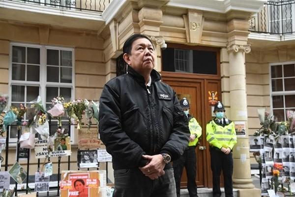 Chinh quyen quan su Myanmar sa thai Dai su tai London