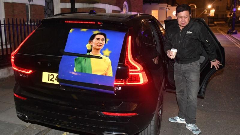 Chan dung Dai su Myanmar o Anh bi nhot ngoai cua van phong-Hinh-3