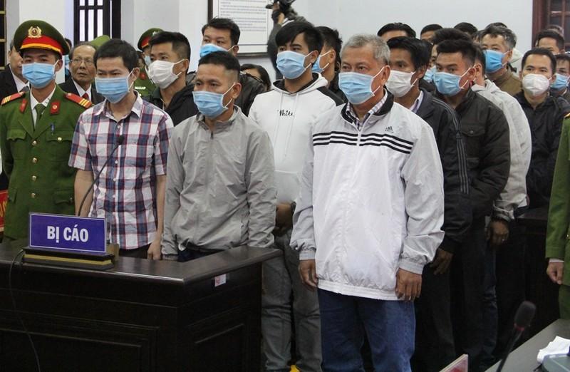 Dai gia xang gia Trinh Suong va 38 dong pham hau toa sang nay-Hinh-2
