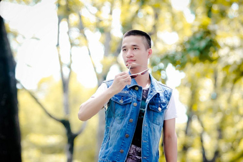 Le Roi tran tinh ly do den cung To nghe san khau-Hinh-2