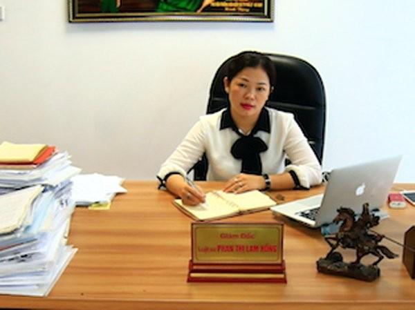 Tam la chan nao bao ve Hoa hau Phuong Nga?