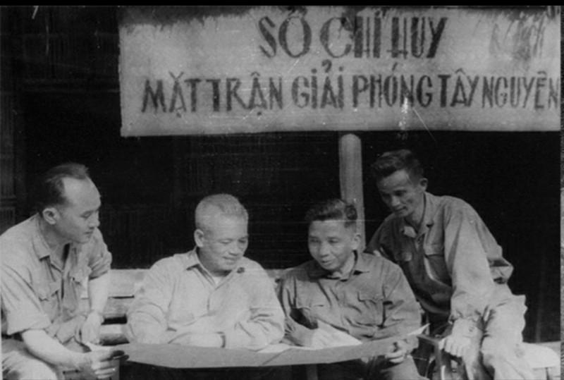 Tran thua tham khien My phai tuoi xang phi tang xac dong doi-Hinh-3