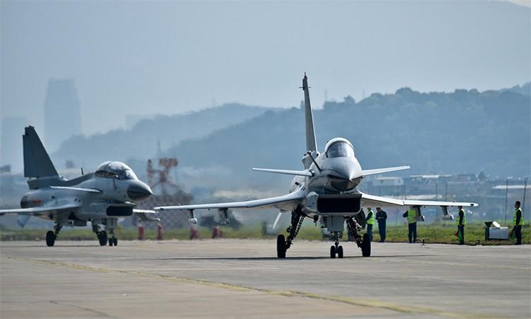 Du Viet Nam da loai bien, MiG-21 van la quoc bao cua Trung Quoc-Hinh-4