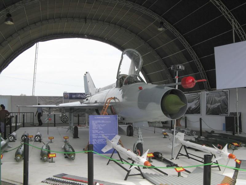 Du Viet Nam da loai bien, MiG-21 van la quoc bao cua Trung Quoc-Hinh-6