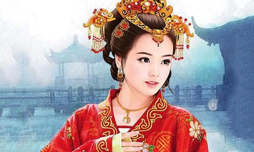 Hoang hau nao mu mat, tan phe van duoc Hoang de chieu het muc?