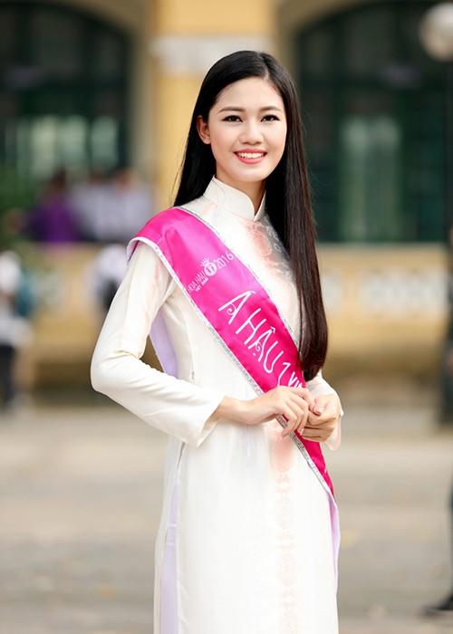 A hau Thanh Tu bi vay kin khi ve tham truong cu-Hinh-3