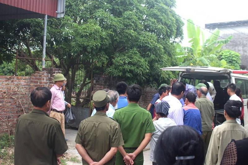 Phut trai long cua nguoi me 3 con sat hai chu thau xay dung luc rang sang