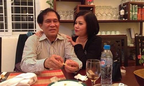 Hon nhan cua NSND Minh Hang va nguoi chong qua co