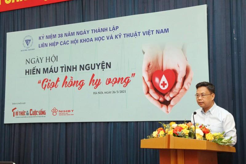 "Chu tich Phan Xuan Dung phat dong ngay hoi Hien mau tinh nguyen ""Giot hong hy vong""-Hinh-3"