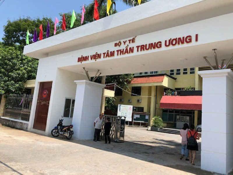 """Phong """"bay lac"""" trong Benh vien Tam than: Bo"""