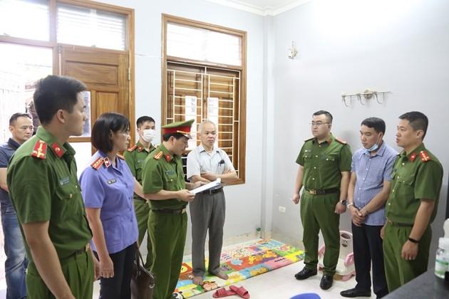 Sai pham dau thau thiet bi y te o Son La: Bat them TGD cong ty Toan Cau-Hinh-2