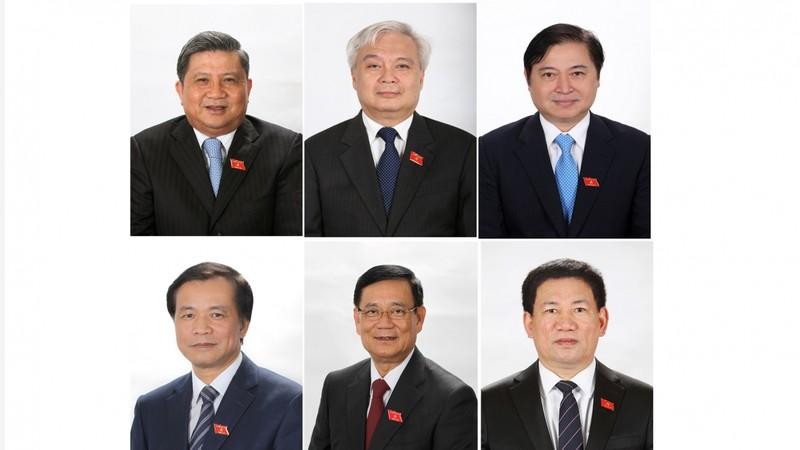 Mien nhiem Pho Chu tich nuoc va 5 Uy vien Uy ban Thuong vu Quoc hoi-Hinh-3