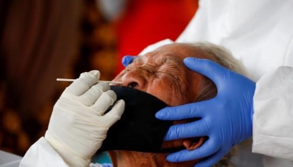 15 nguoi nhiem SARS-CoV-2 sau khi mo quan tai benh nhan COVID-19