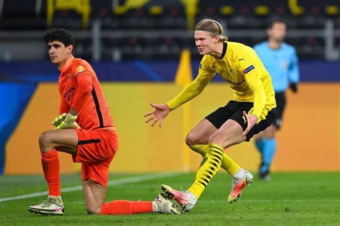 VAR nhan dinh kho hieu, Haaland giup Dortmund vao tu ket Champions League