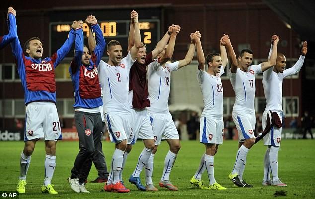 Euro 2016 Croatia - CH Czech: Modric pham chat nhac truong-Hinh-2