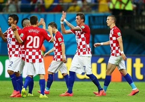 Euro 2016 Croatia - CH Czech: Modric pham chat nhac truong