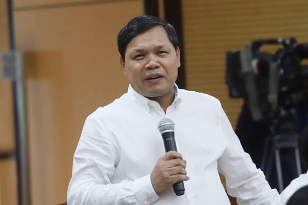 Giam doc BV Phu san T.U: 'Co moi' mac dong phuc, dung cong vien 'doa' benh nhan