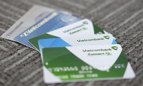 Vietcombank len tieng vu khach mat 32 trieu dong trong tai khoan