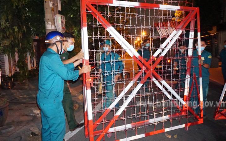 Binh Duong thong bao khan tim nguoi di cung xe voi benh nhan COVID-19