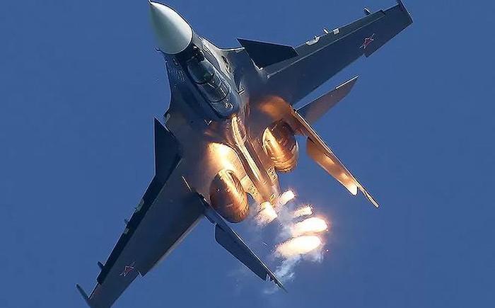 Khong quan Syria van bai truoc Israel du co Su-30SM, Su-35S?