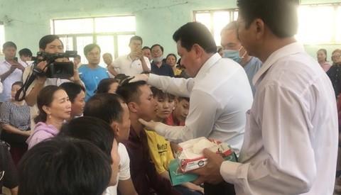 Quang Ngai: Ra soat, thu hoi cac khoan chi sai moi ong Vo Hoang Yen chua benh