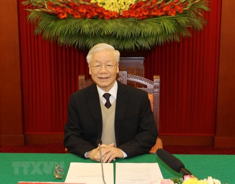 Bo Chinh tri  gap mat than mat cac nguyen lanh dao khong tai cu khoa XIII-Hinh-4