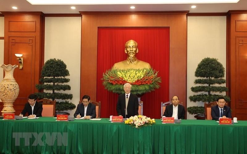 Bo Chinh tri  gap mat than mat cac nguyen lanh dao khong tai cu khoa XIII-Hinh-5