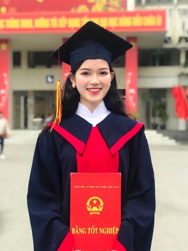 Co giao Nghe An noi nhu con vi qua xinh, profile khung mien ban-Hinh-3