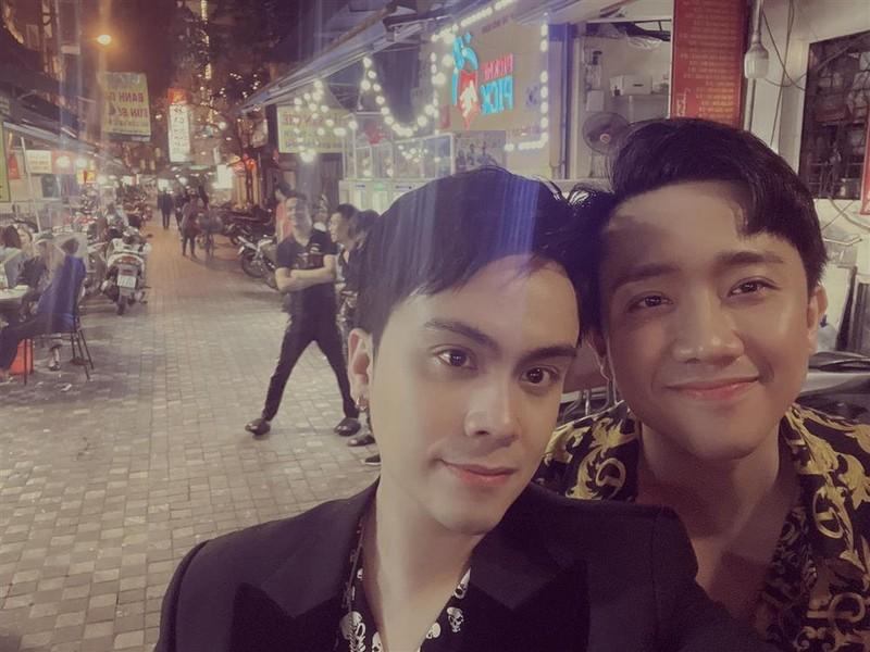 Tran Thanh de lo bi mat cua MC Thai Dung tren livestream-Hinh-5