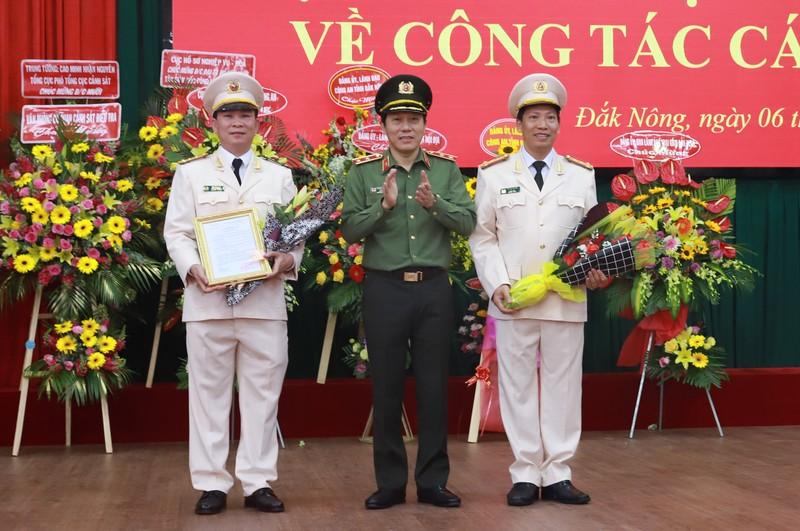 Dai ta Ho Van Muoi lam Giam doc Cong an Dak Nong, dai ta Le Van Tuyen lam Giam doc Cong an Dak Lak