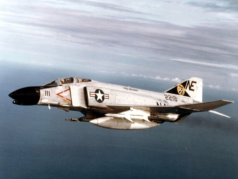 May bay F-4 My tham chien o Viet Nam vi sao khong co phao?-Hinh-11