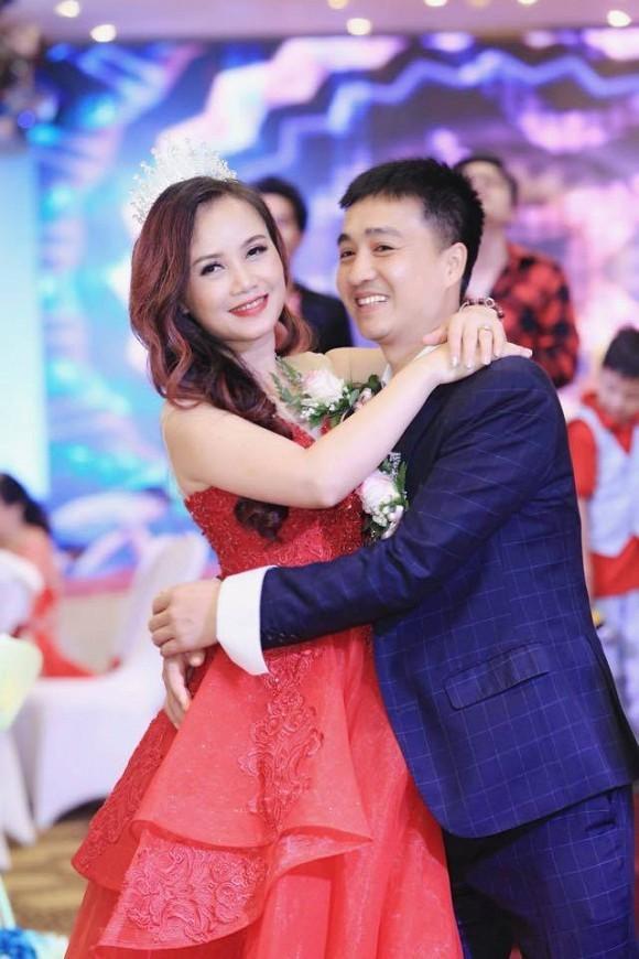 Co Xuyen 'Ve nha di con': Ai bat duoc chong ngoai tinh, thuong 50 trieu-Hinh-4