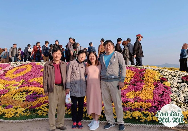 Lam dau Han khong nhu phim, me chong lien tuc xin loi vi nha khong giau-Hinh-9