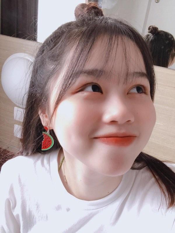 Ban gai Quang Hai khien dan mang tram tro vi lan da trang sang-Hinh-5