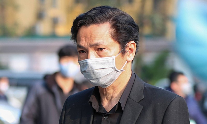 "Chuyen Hoang Dung tung bi ""kien"" khi doi vai long tieng cho Trung Anh-Hinh-3"