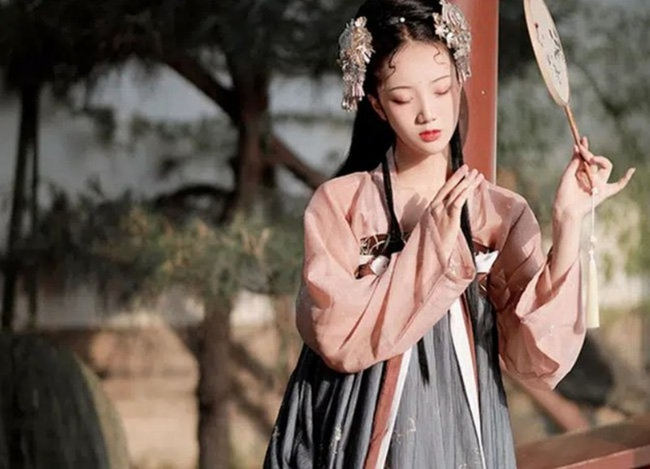 Thai hau Trung Hoa cung con dau lam ky nu la ai?