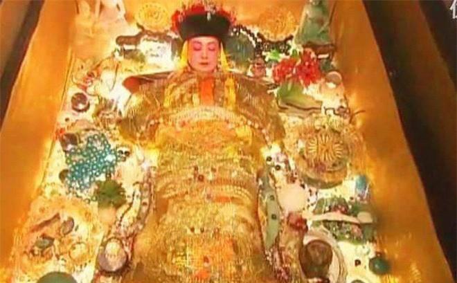 Ly do nghiet nga khien Tu Hi Thai hau bi dao mo-Hinh-2