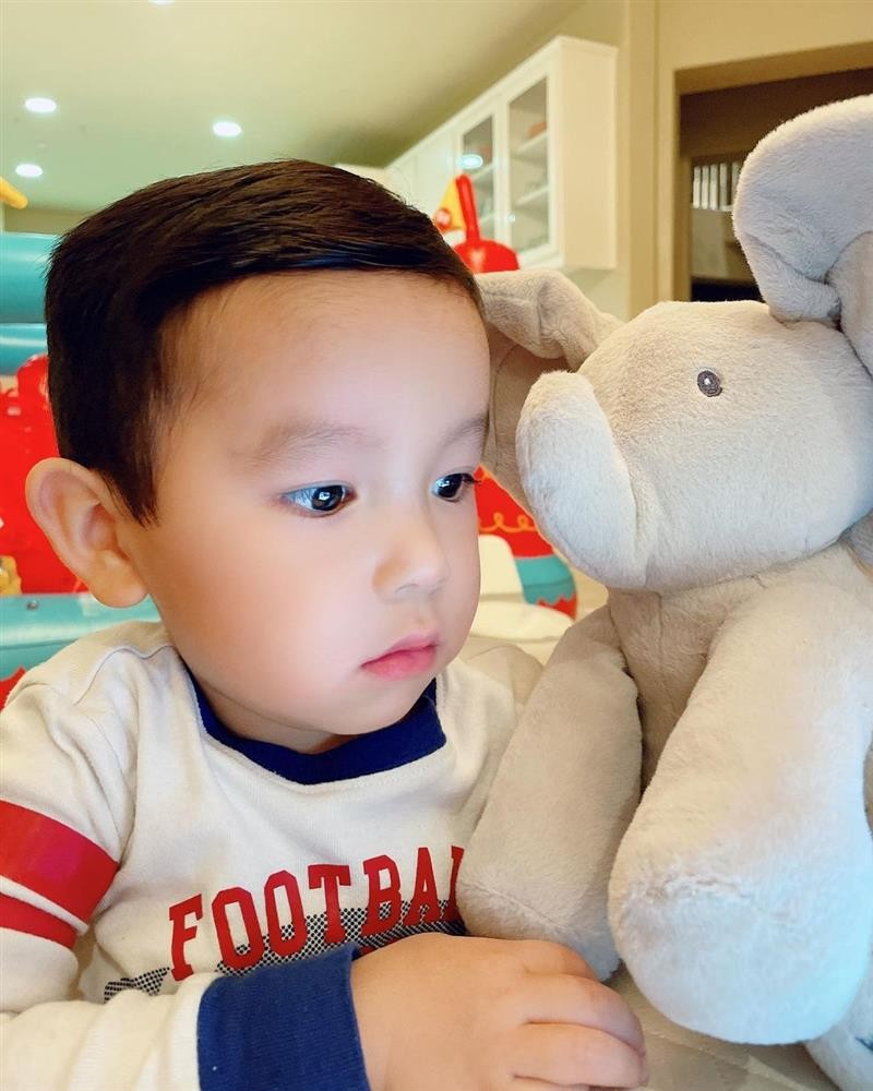 Quy tu nha Pham Huong lon nhanh nhu thoi-Hinh-5