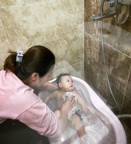Hang Tui lo bung chay xe sau khi sinh con lan thu 5-Hinh-4