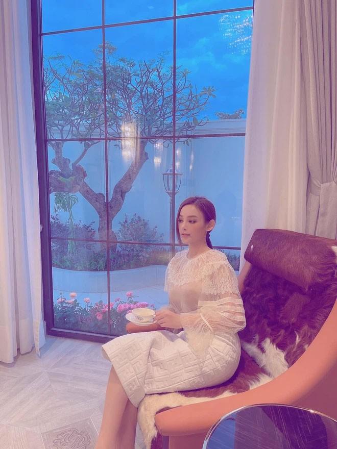 Huyen Baby khoe nha to nhu toa lau dai-Hinh-8